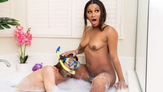 [BrazzersExxtra] Sommer Isabella (Bubble Bath Self-Care With Cock / 01.21.2021)